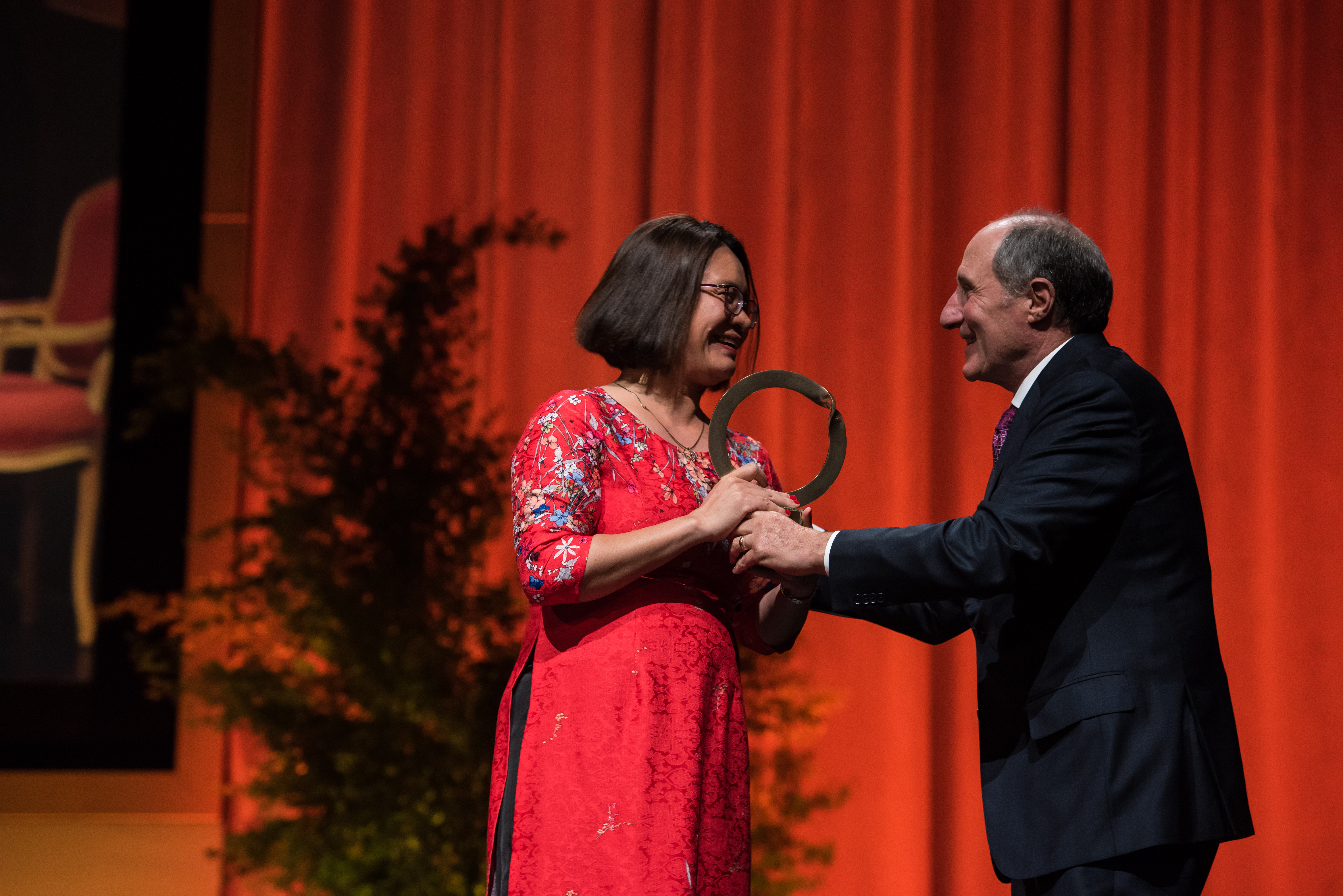 Nguyen Thi Khanh, Executive Director of Green Innovation and Development (Green ID), received the 2018 the 2018 Goldman Environmental Prize.