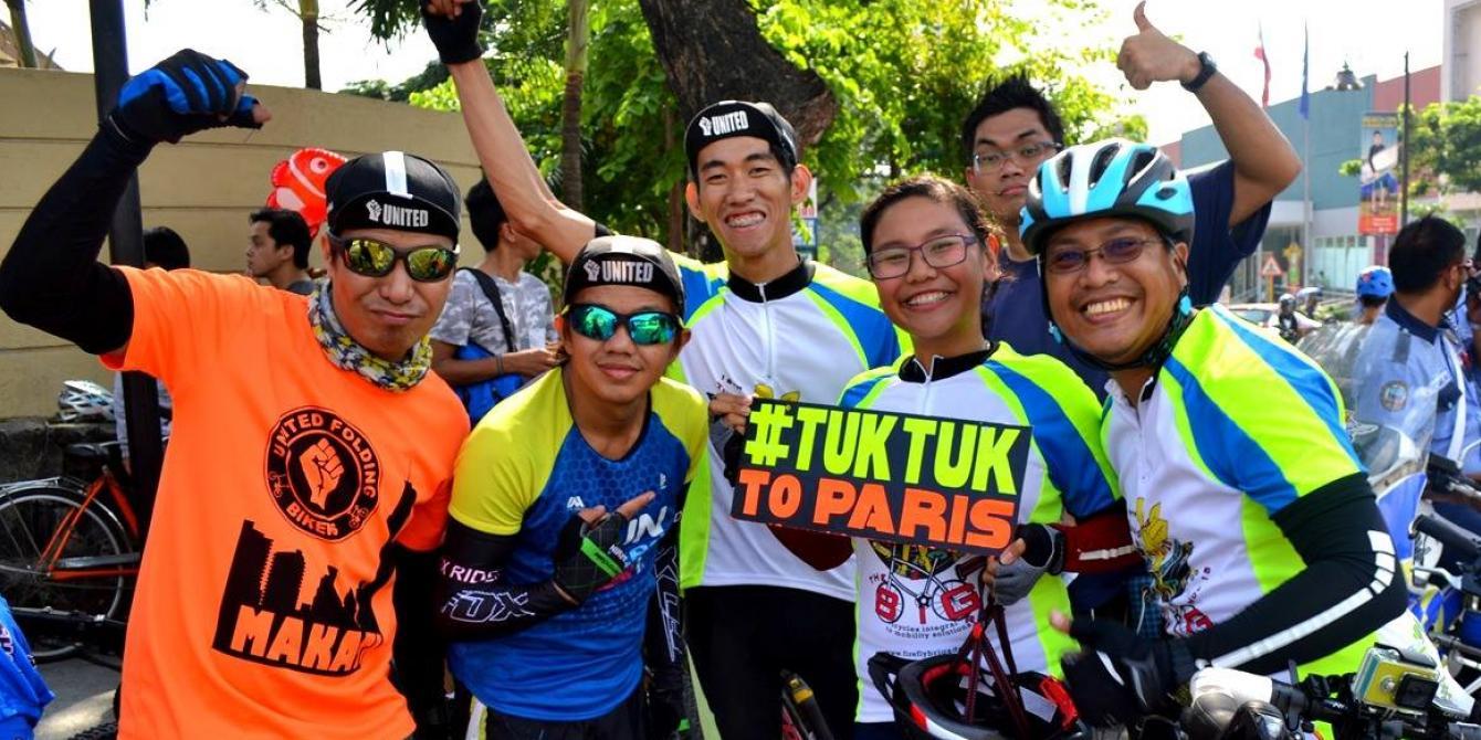 Bikers at the Climate Change event joins Tuktuk to Paris Campaign (Photo: Rhea Pauline Catada)
