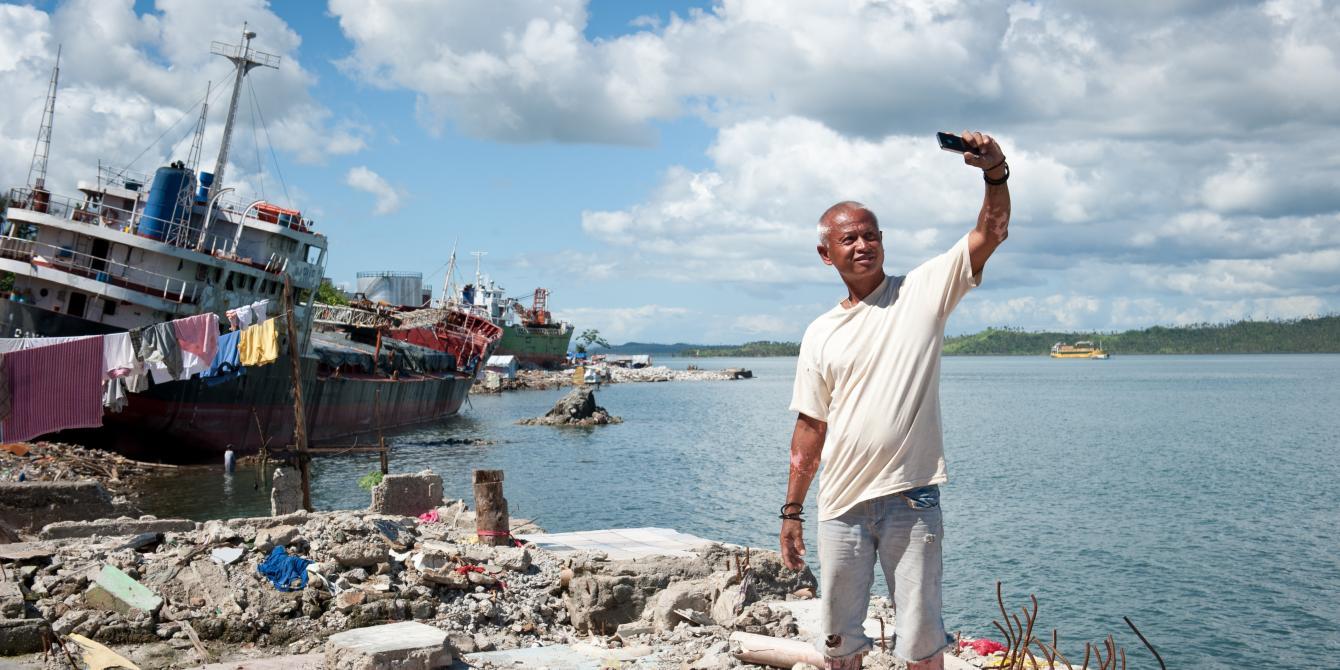 Urwin Coquilla (37) in Anibong, Tacloban. (Photo:Eleanor Farmer/Oxfam)