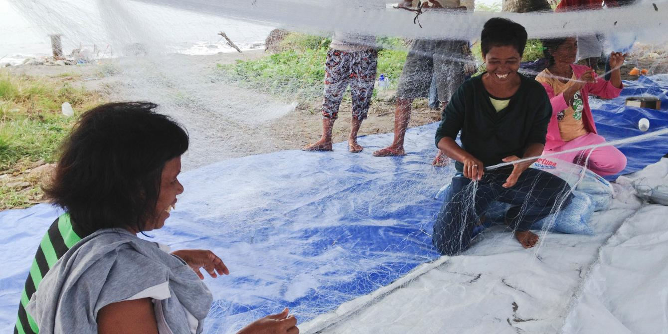 Photographs taken alongside CEO Mark Goldring's visit to Tacloban. (Photo: Caroline Gluck/Oxfam)