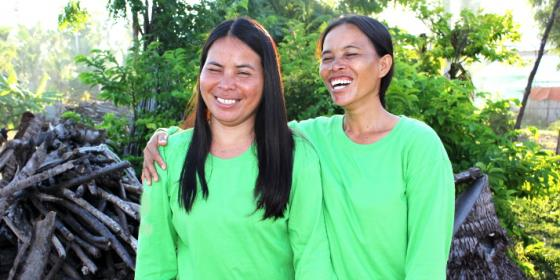 Women in Bantayan Island were trained as masons to help rebuild destroyed houses after Typhoon Haiyan in 2013 (Photo: Genevive Estacaan/Oxfam)